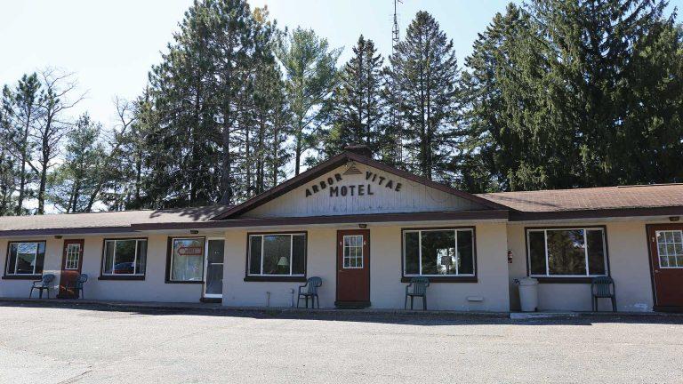 Arbor Vitae Motel exterior