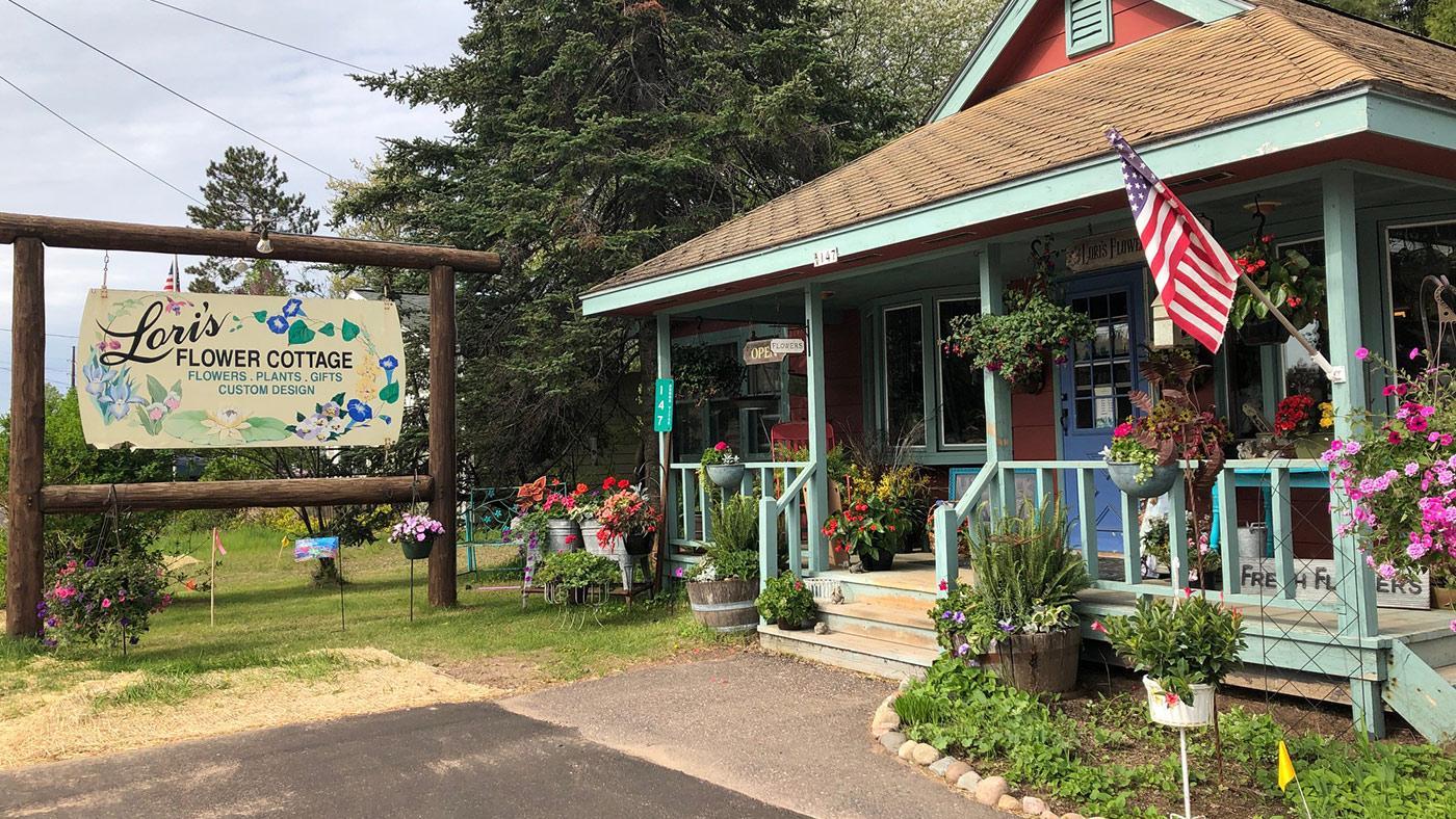 Loris Flower Cottage